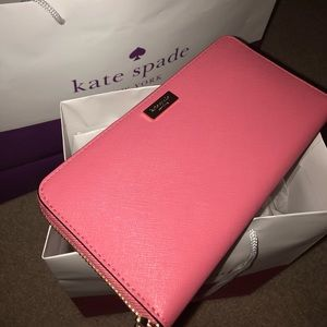Kate Spade ♠️ New York Neda Laurel Way Wallet
